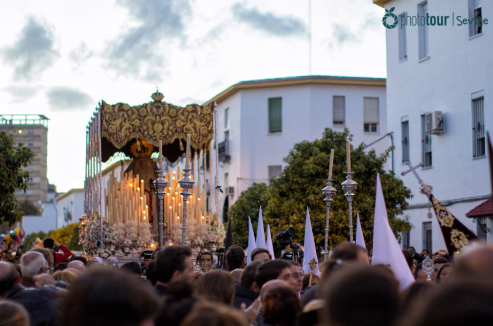 HOLY WEEK IS COMING!: FIND OUT THE HISTORY OF THE MOST POPULAR CELEBRATION IN SEVILLE