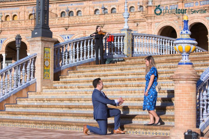HOW TO PLAN YOUR MARRIAGE PROPOSAL WITH PHOTO TOUR SEVILLE