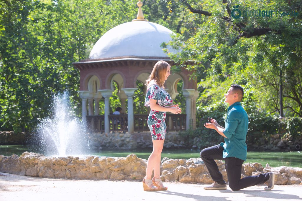 Engagement photos in Seville